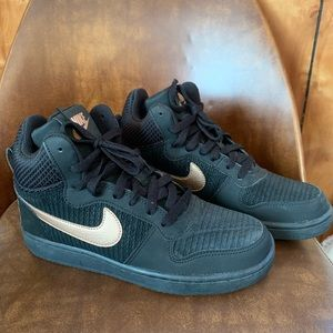 Black and rose gold Nike 6.5